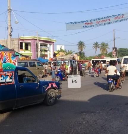 Calme apparent dans la ville des Cayes (Sud), des Citoyens tentent de « sortir la tête de l'eau »