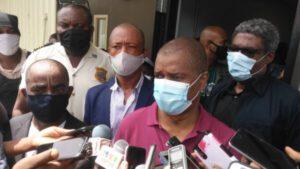 """""""Les maires désireux de rester en poste, peuvent rester"""", a déclaré le ministre de l'intérieur"""