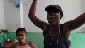 Port-au-Prince : jets de pierres et gaz lacrymogène à l'hôpital général