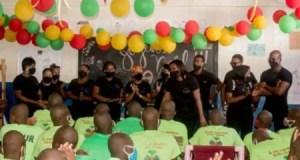 Delmas : distribution de kits et de nourriture au CERMICOL à Delmas 33