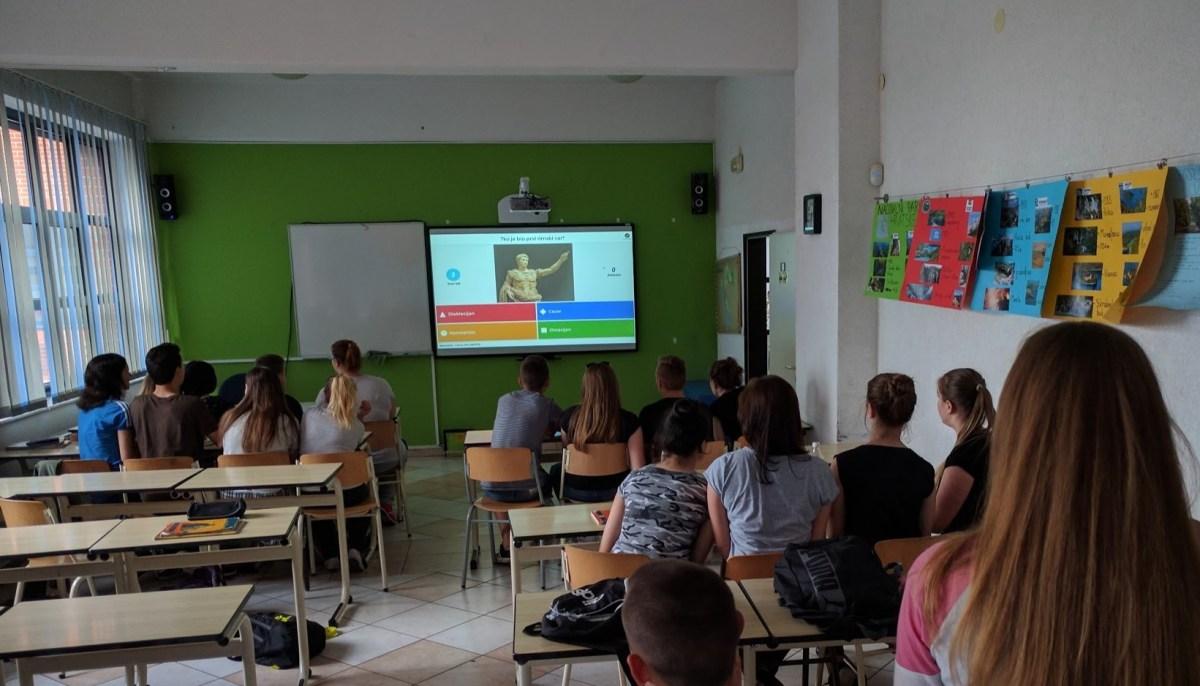 Poučavanje uz interaktivnu bijelu ploču (1)
