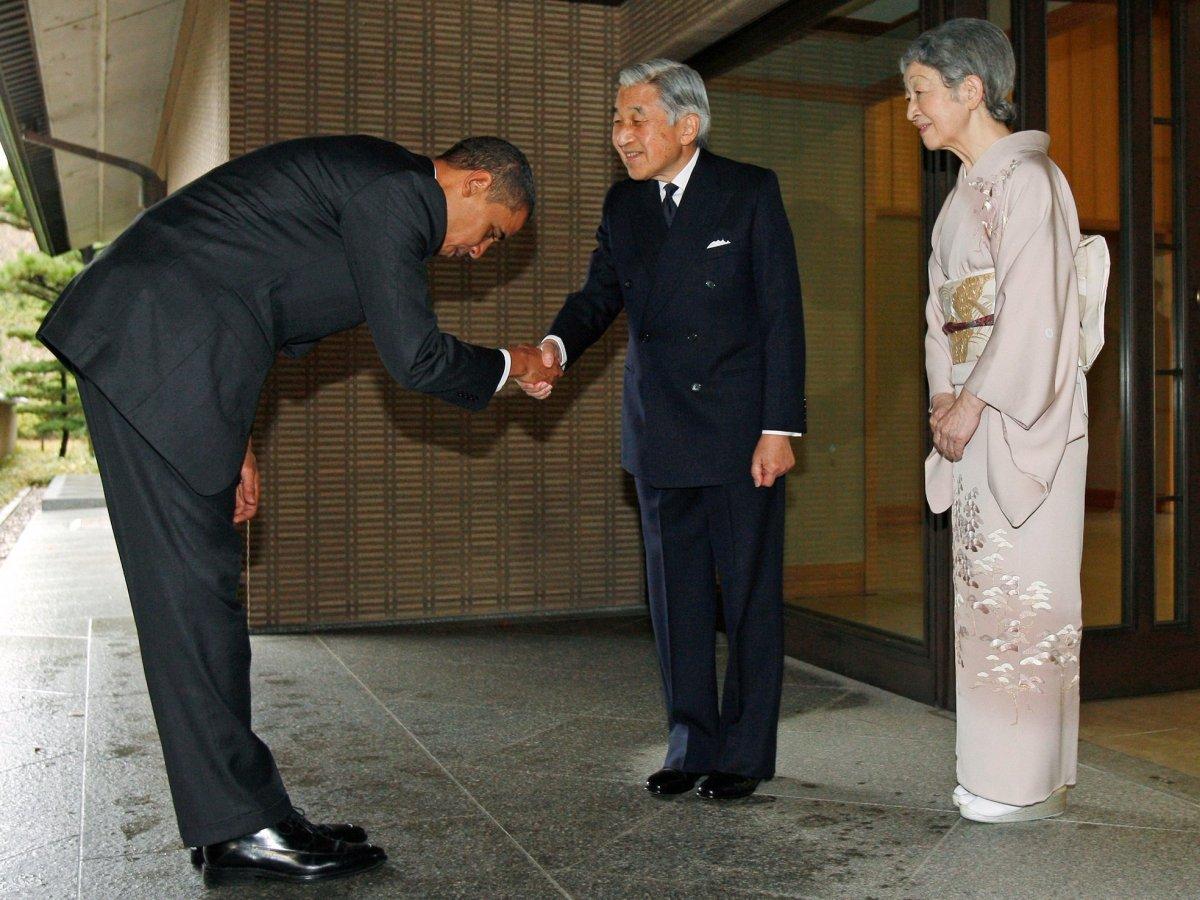 Razbijanje mita: Japanski učitelji se nisu dužni pokloniti caru