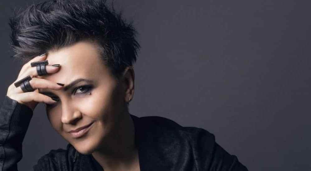"Amira Medunjanin ""Live at Arena"""