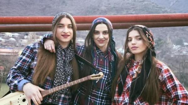 Trio Mandili – Apareka