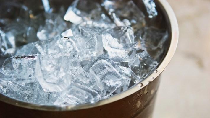 "ALS ""ice bucket challenge"" a Hajlaborban"