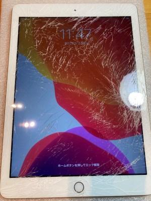 iPad 第5世代 ガラス割れ