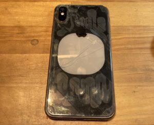 iPhone Xs レーザー 剥離後