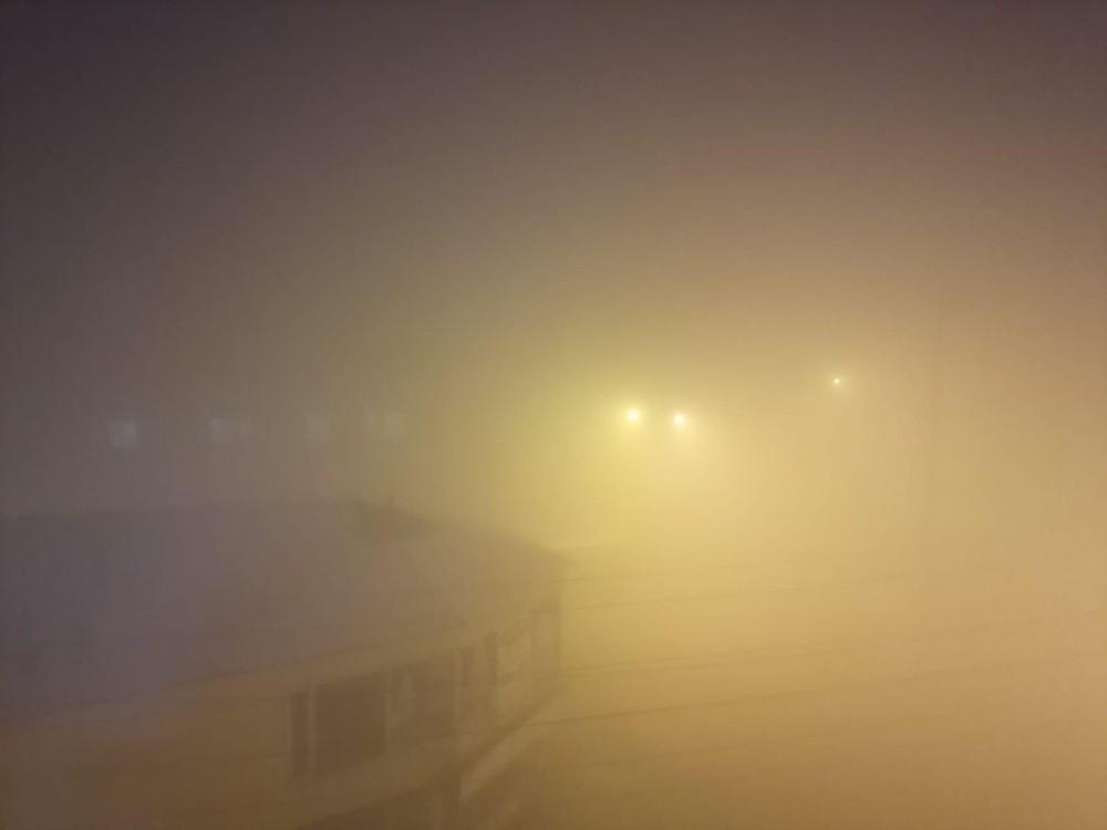 Yüksekova'da sis nedeniyle görüş mesafesi 10 metreye düştü