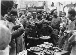 物売りの子供と日本兵