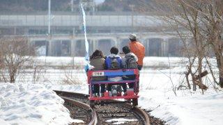 木古内町・江差線跡で「トロッコ鉄道」運行開始