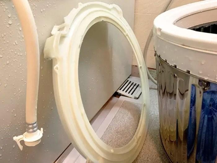 業者掃除後の洗濯機部品