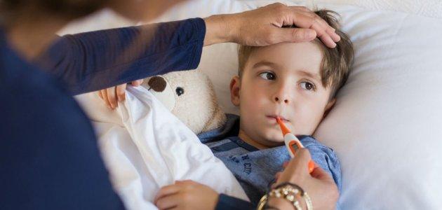 رعشة الجسم المفاجئة عند الأطفال والبالغين .. ما هي أسبابها؟