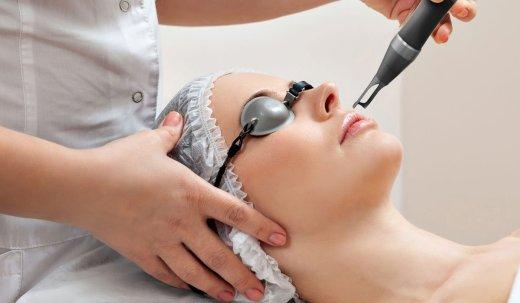 العلاج التجميلي للشعر الزائد عند النساء