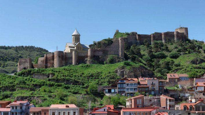 قلعة ناريكالا الأثرية في تبليسي متعة بنات جورجيا