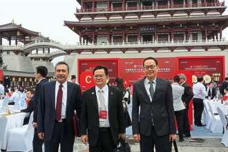 From left: HDCs Hamidon, Low (political secretary to Wee) and SME consultant Chew Kian Seng.