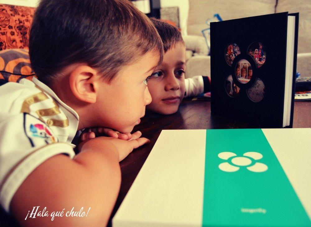 Mis chicos con su álbum de verano