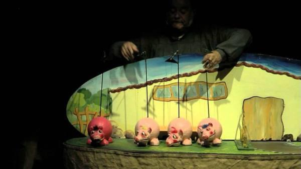 """""""Los tres cerditos"""" Teatro infantil en la Biblioteca Torrente Ballester de Salamanca"""