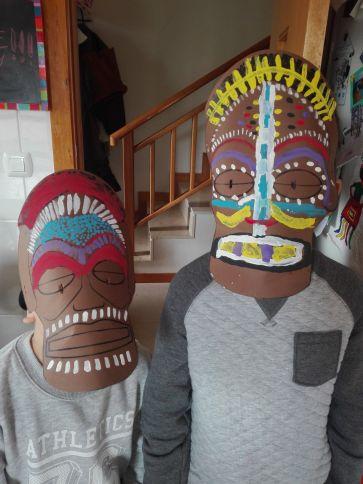 Máscaras africanas de Ángel y Oliver