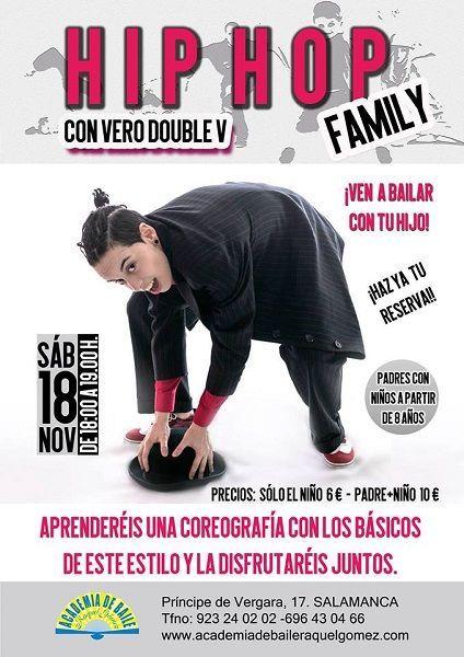 Sesión de baile en familia en la academia de Raquel Gómez