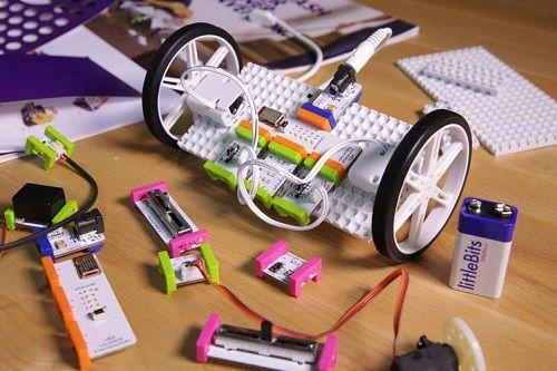 Taller infantil de robótica en FabLab Salamanca