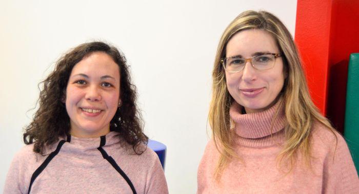 Virgnia y Esther en Centro Esnia