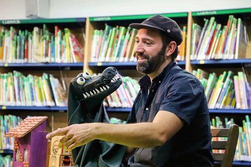 Juan Malabar lleva sus títeres a la Biblioteca Torrente Ballester