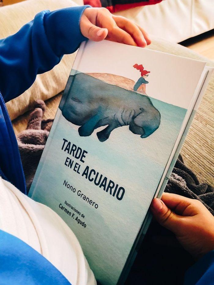 """""""Tarde en el acuario"""" de Nono Granero"""