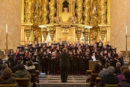 """""""A Jolli Christmas!"""" Coro Ciudad de Salamanca: Coro Juvneil y Coral Polifónica"""