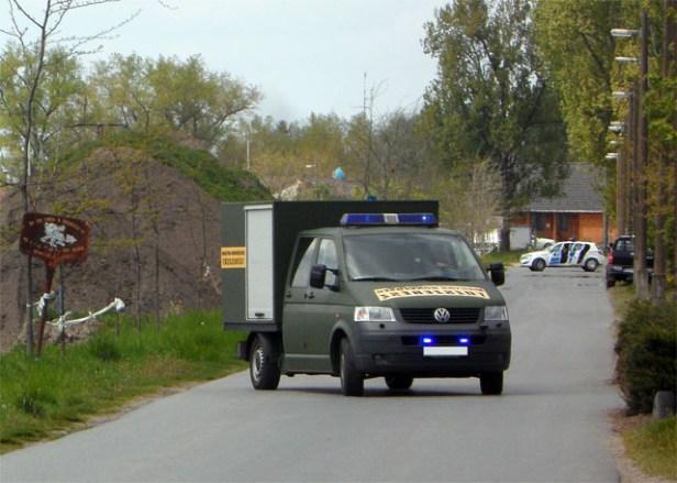 2014. április 15. - Több mint száz darab orosz gyakorlóaknát találtak a volt szeméttelepen