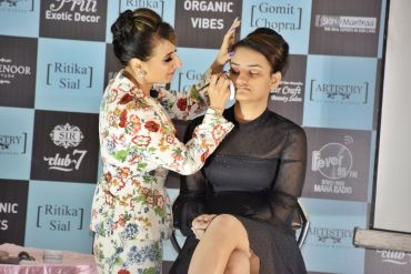Feature Story: The Personality Development / Grooming and Makeup Seminar by Ritika Sial and Gomit Chopra