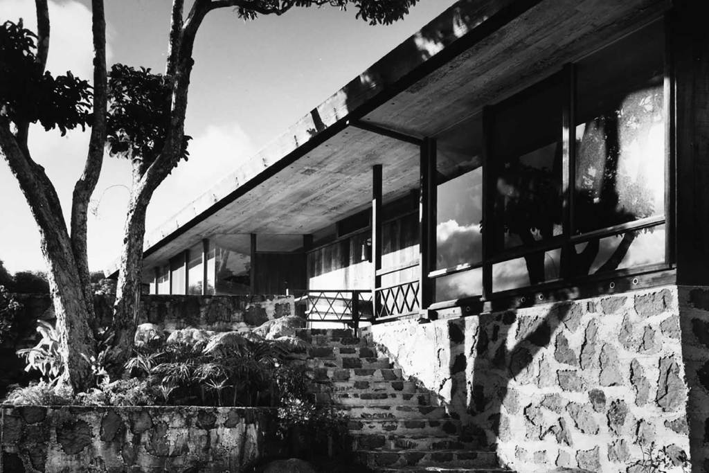 black and white photo of exterior of the Pauling House
