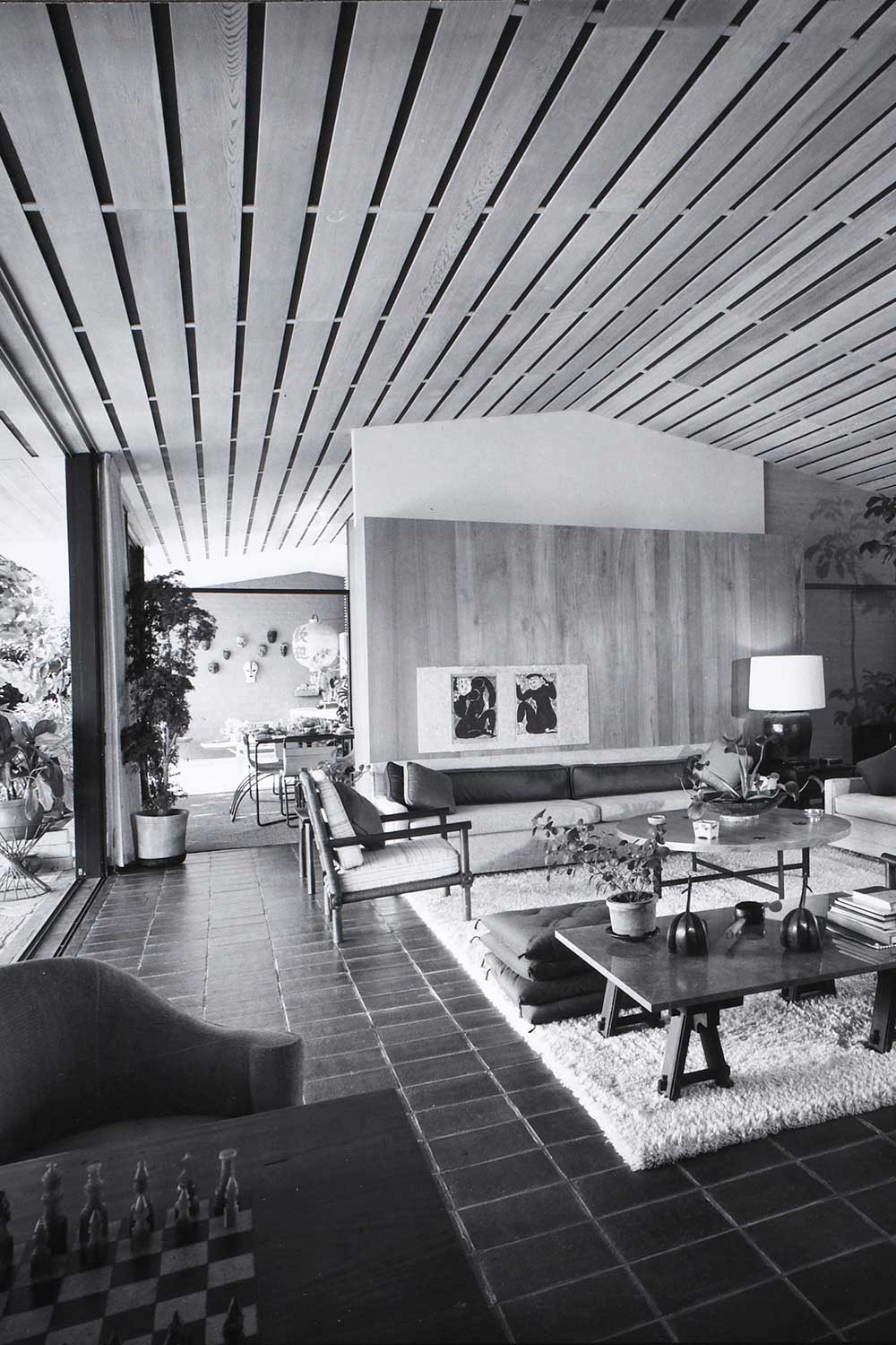 black and white photo of interior of Ossipoff House