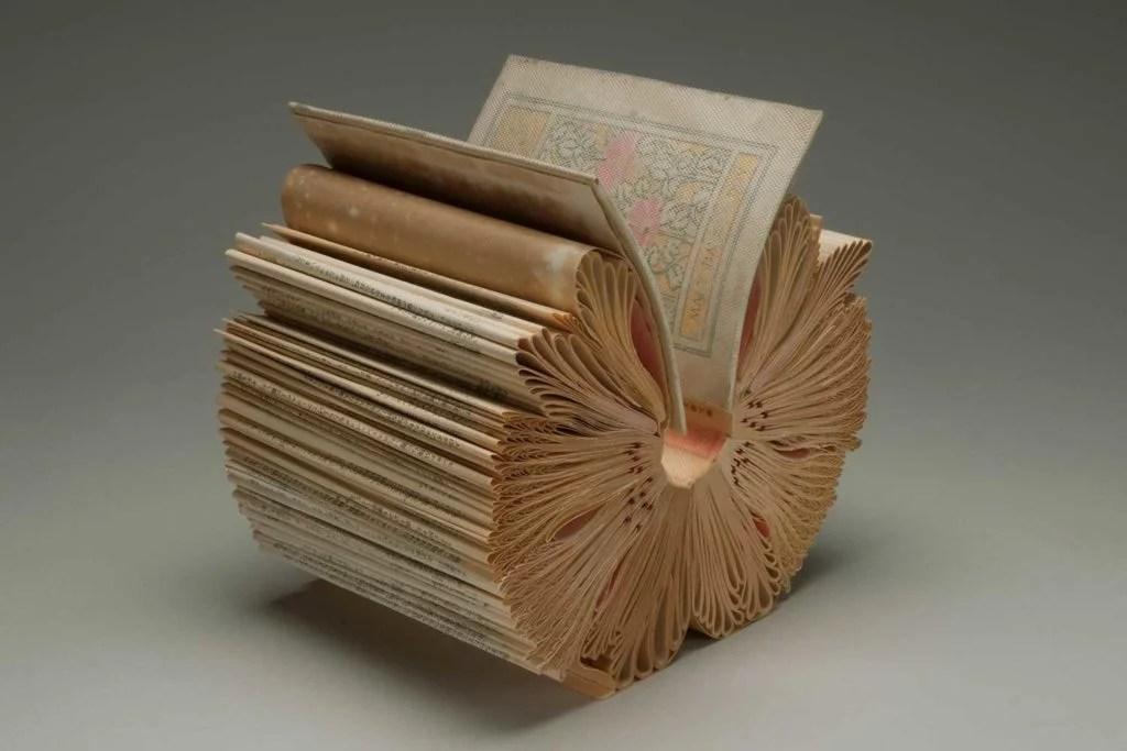 Lorem Ipsum I paper sculpture