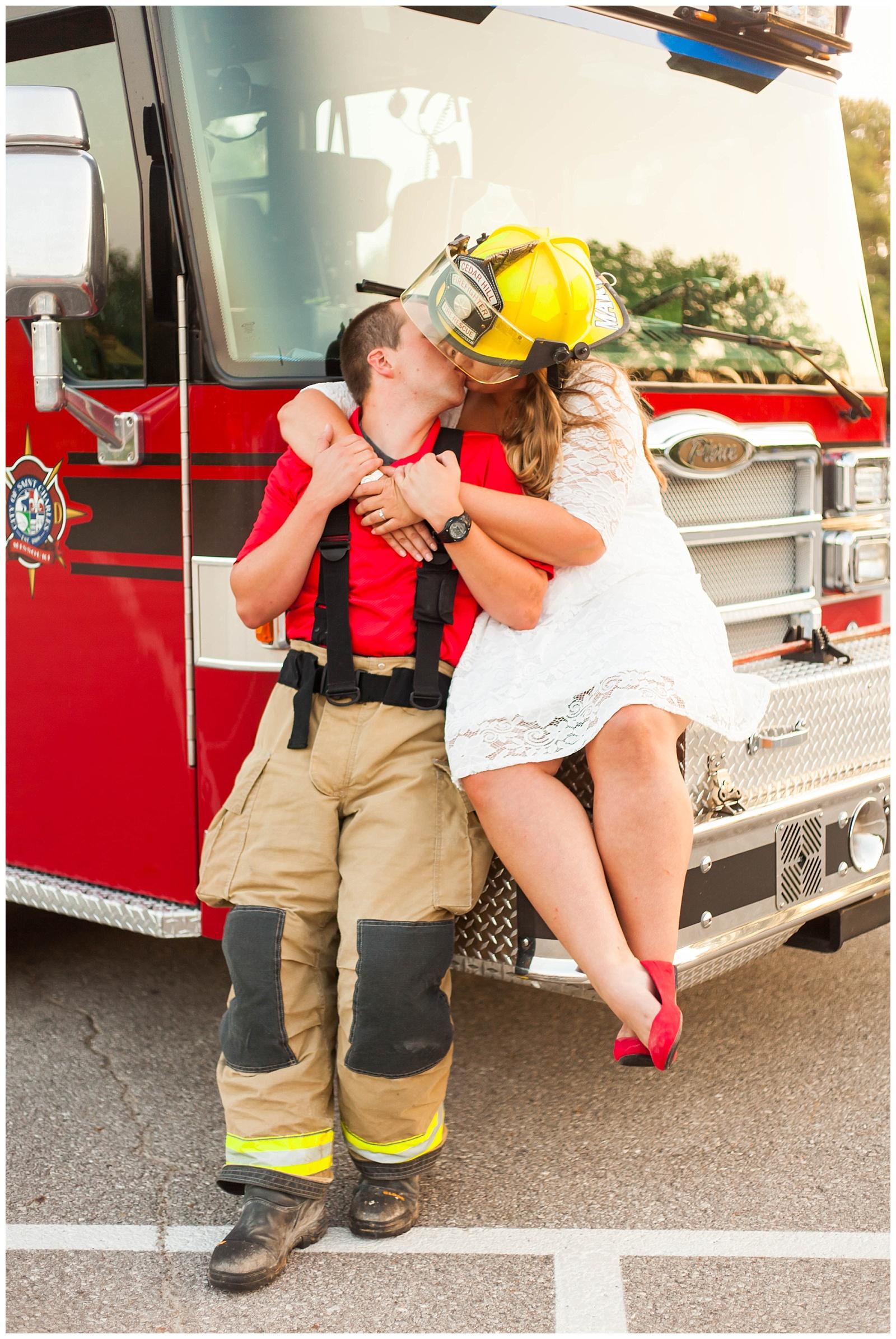 St. Louis Engagement & Wedding Photographer