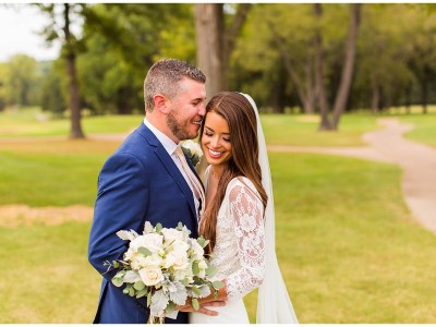 Laura + Andrew The Legends Country Club Wedding || St. Louis Photogrpaher