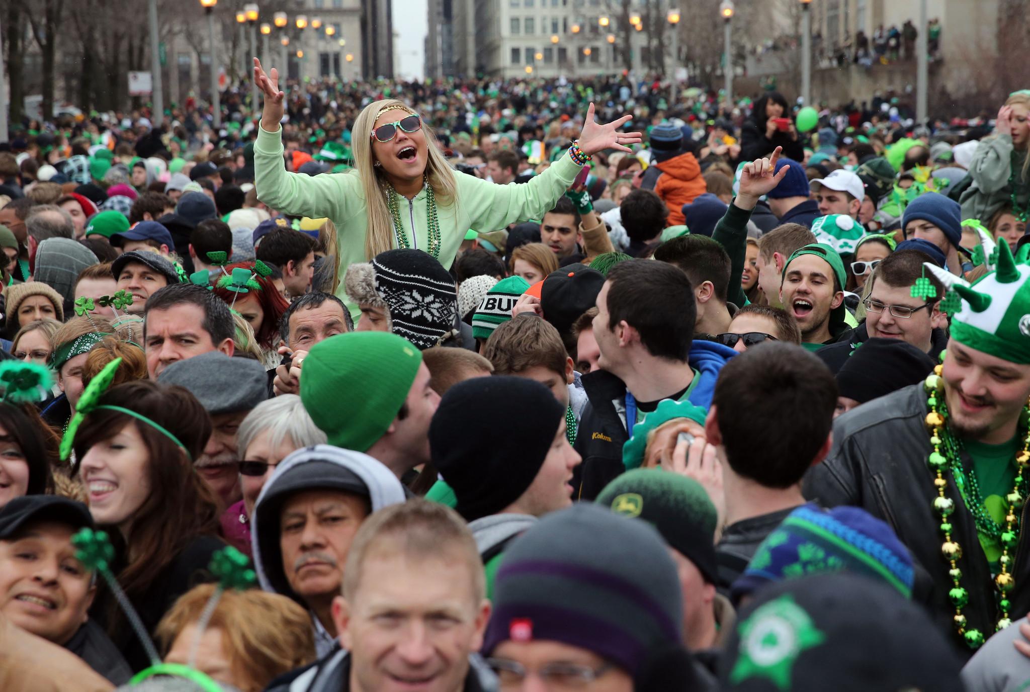 redeye-irish-bars-near-chicago-st-patricks-day-parade-20150312