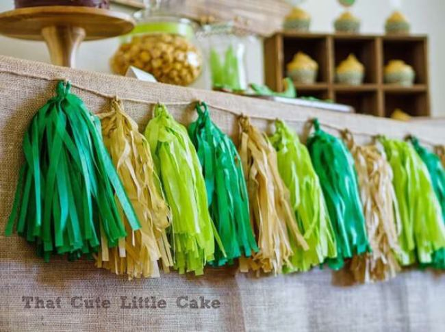 Crocodile party. Greenery Inspired Parties | Halfpint Design - I love these party tassels with gold and greens. Frog party.