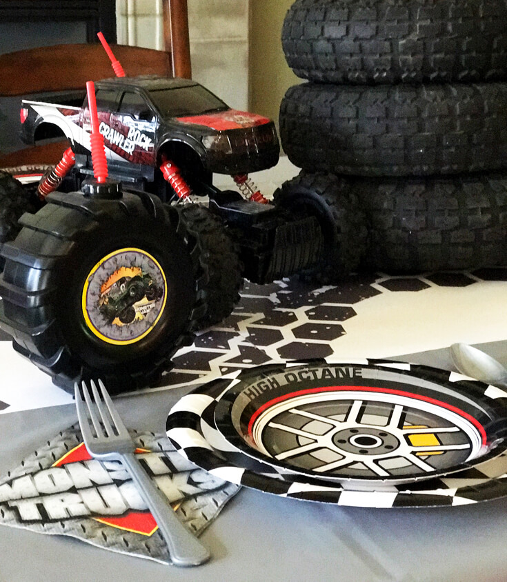 Place settings for a Monster Truck Party Menu! Halfpint Design with Party Printables from HalfpintPartyDesign on Etsy. Boy party theme.