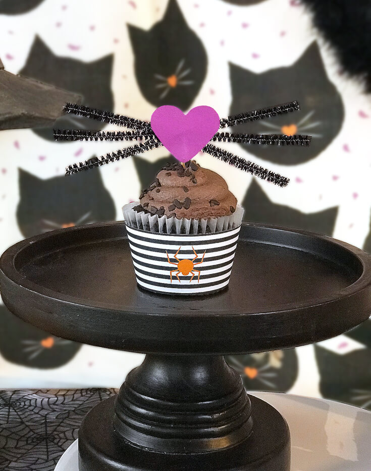 """Another fun cupcake topper idea - kitty whiskers. Easy to make with hearts and black pipe cleaners. """"Black Cat Halloween Party Reveal"""" on Halfpint Design - Halloween party ideas, kitty cat party, kids party, cat party treats"""
