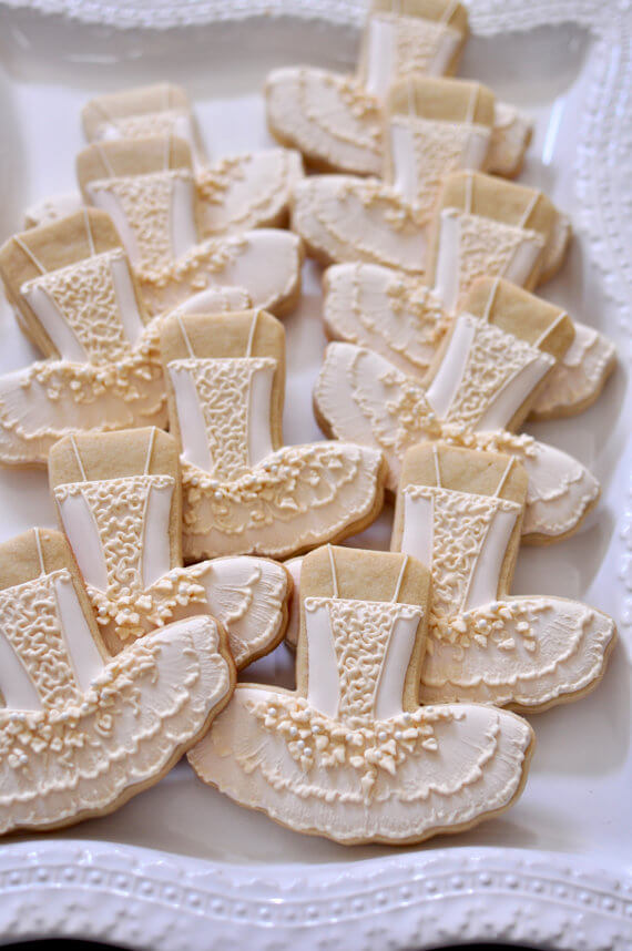 Looking for a great winter birthday idea? Or holiday party theme for your friends and family? A Nutcracker ballet party is the perfect theme and I've got a list of 26 amazing products that will up your party game! These gorgeously detailed Sugar Plum Fairy cookies are divine. Pretty Pastel Nutcracker Ballet Party Ideas on Halfpint Design. Ballet party, Christmas party, Nutcracker party.