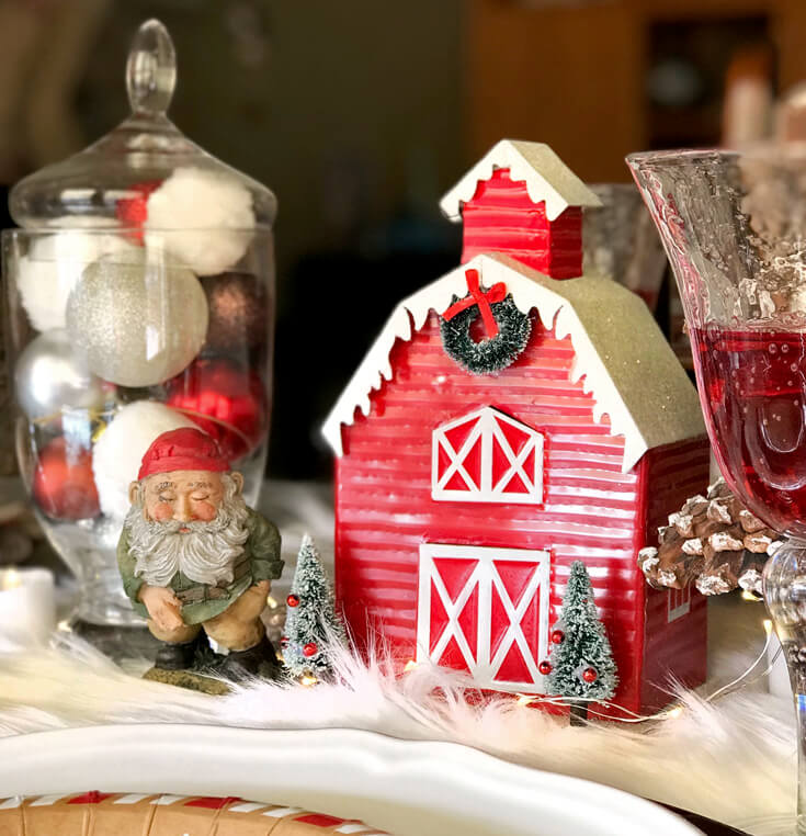 Looking for some good ol' fashioned Christmas decor? Mix new and old decor with a vintage vibe. Check out all the details of this Cozy Cottage Christmas Tablescape on Halfpint Design. Farmhouse Style Christmas table, Vintage Christmas.