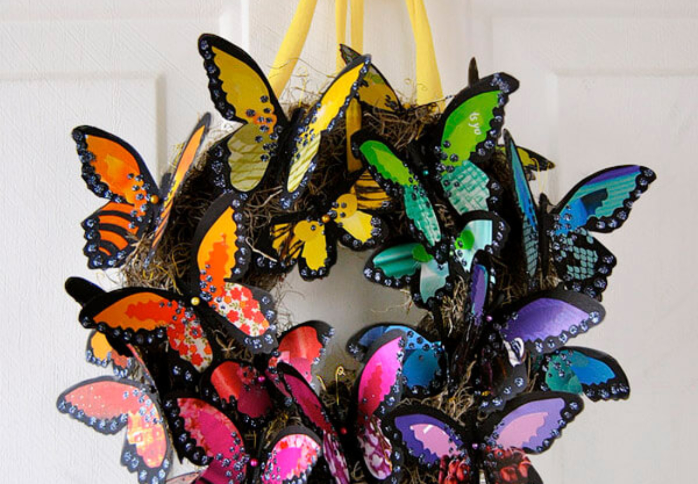 FB Butterfly wreath-Enchanted butterfly party ideas-halfpintpartydesign.com