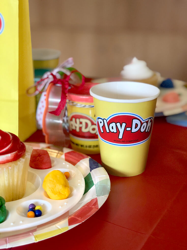 Customized Play-doh cups for a Play-doh birthday party