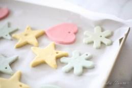 DIY Salt Dough Ornaments for Kids| Christmas, Christmas Ornaments, DIY Christmas Ornaments, Salt Dough Christmas Ornaments, DIY Christmas, Christmas Crafts, Crafts for Kids #DIYChristmas #Christmas #CraftsforKids