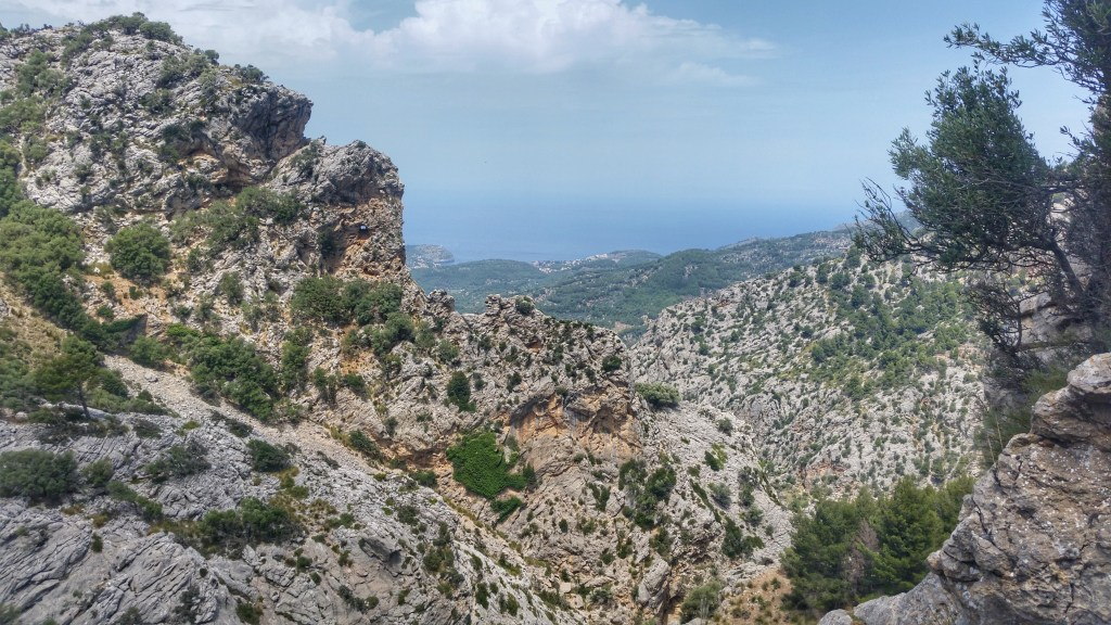 GR221 Mallorca Stone way view to port de soller