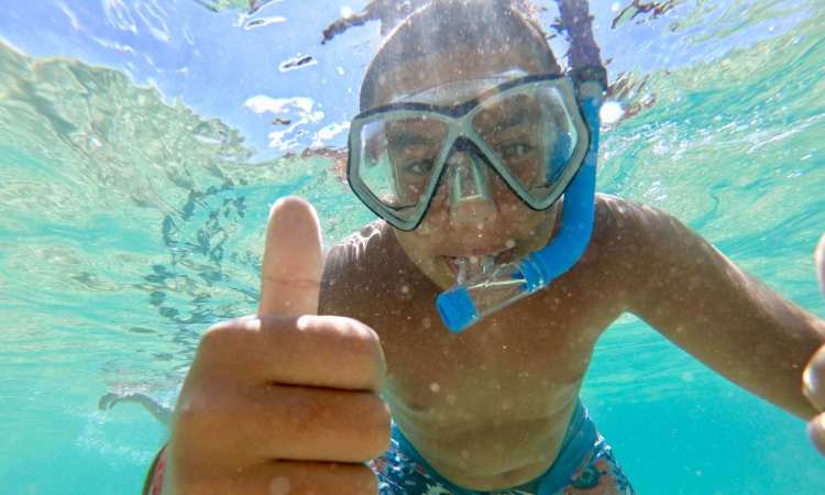 Guest snorkeling on tour