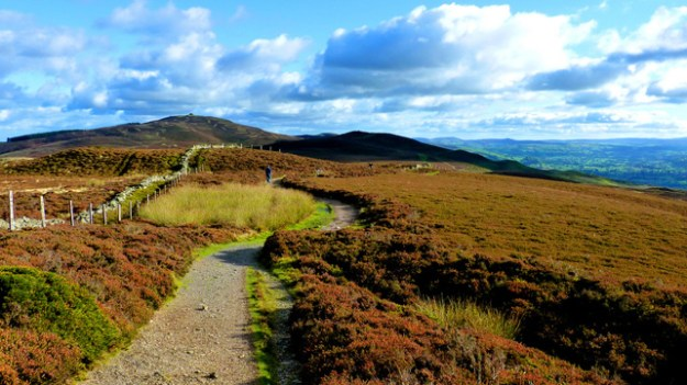 The Clwydian Range and Dee Valley is an area of outstanding natural beauty .