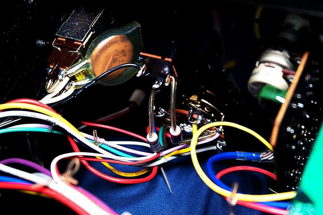 AU-517 Headphone Jack