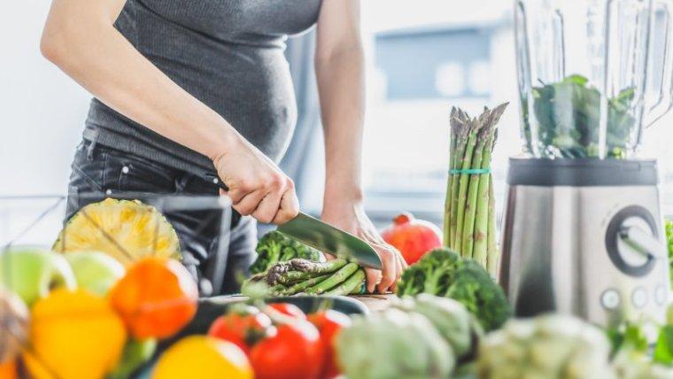 Moms, Ini 7 Jenis Makanan Penurun Kolesterol pada Ibu Hamil