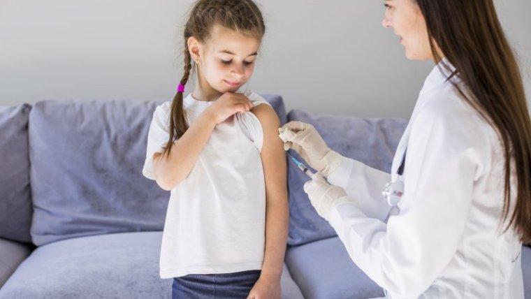 Moms Jangan Abaikan Jadwal Vaksin Anak, Ini Pentingnya